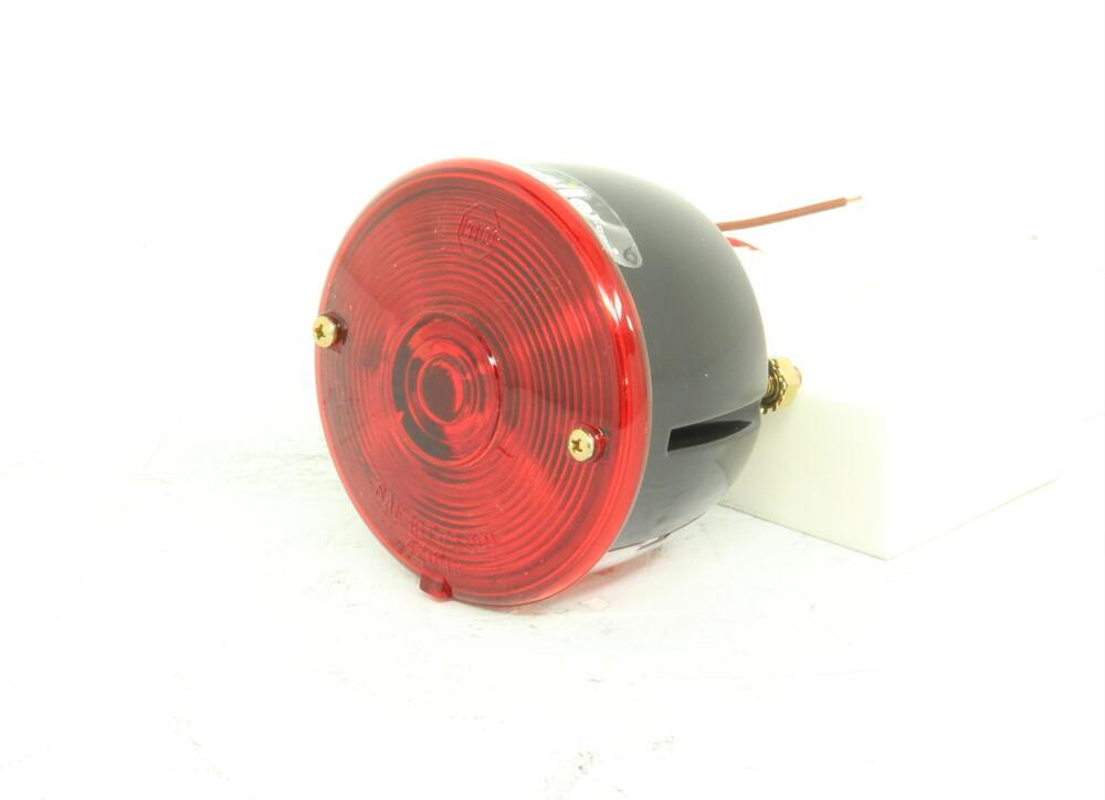 Peterson Round Trailer Tail Light With License Plate Light