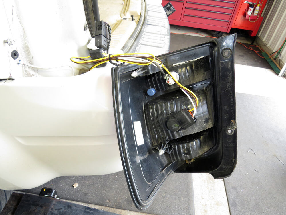 tow ready custom fit vehicle wiring for ford escape 2010. Black Bedroom Furniture Sets. Home Design Ideas