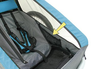 Mesh side pockets for storage inside Croozer