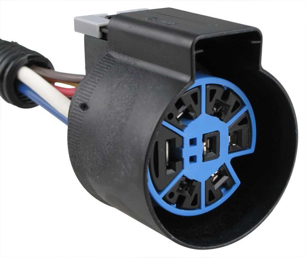pollak 7 pole and 4 pole trailer connector sockets w. Black Bedroom Furniture Sets. Home Design Ideas