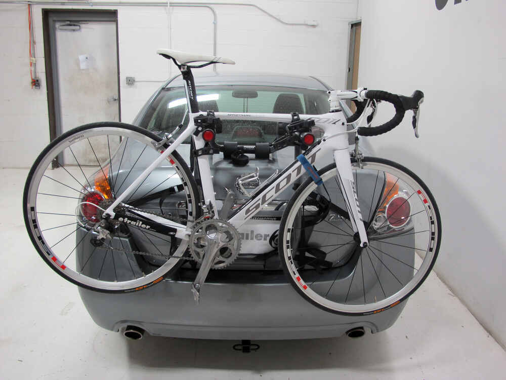 Trunk bike racks by hollywood racks for 1233 c class hrb2 for Mercedes benz bicycle rack