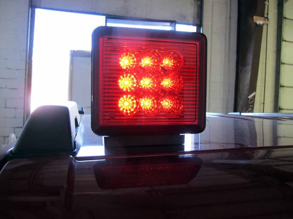 Pilot Magnetic Tow Lights Red Leds 4 Way Flat And 7 Way Rv
