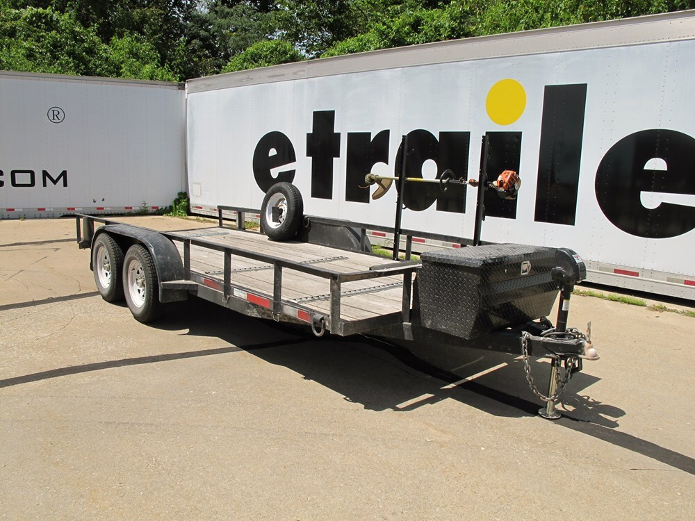 Pack em trimmer rack for open utility trailers