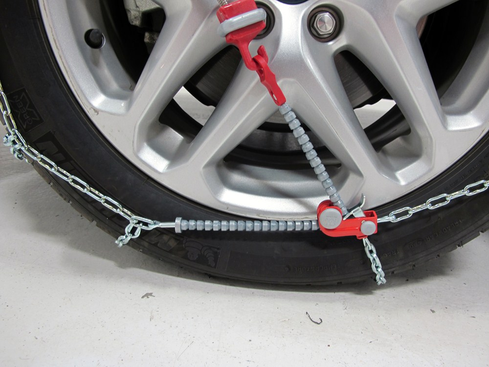 tire chains by thule for 2006 sienna th00204102. Black Bedroom Furniture Sets. Home Design Ideas