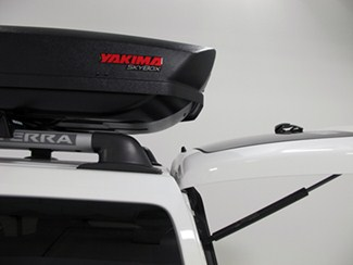 Yakima Sky Box Undercut Tail