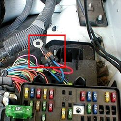 faq046_ff_250 how to install a brake controller on chevrolet gmc 1999 2006 1999 GMC Jimmy Fuse Panel at edmiracle.co