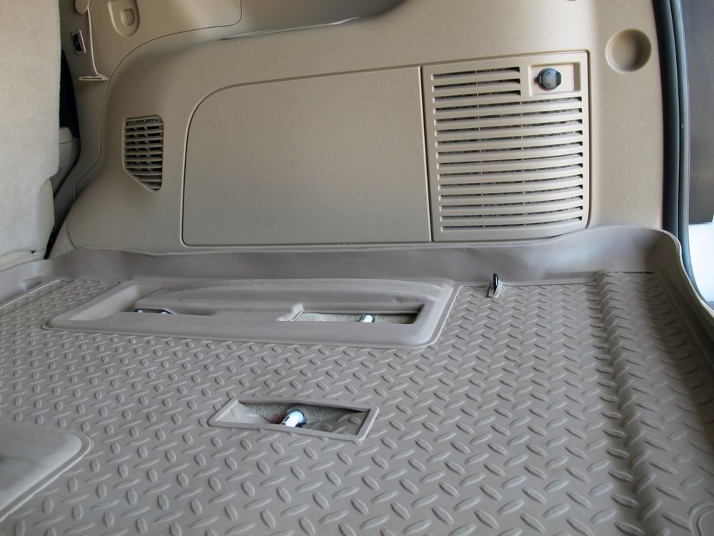 Chevy suburban floor mats chevrolet suburban floor liners for Suburban floors