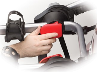 Yakima KingJoe Pro red tab operates folding arms
