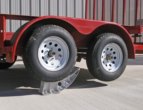 Blaylock Ez Jack And Wheel Chock For Tandem Axle Trailers
