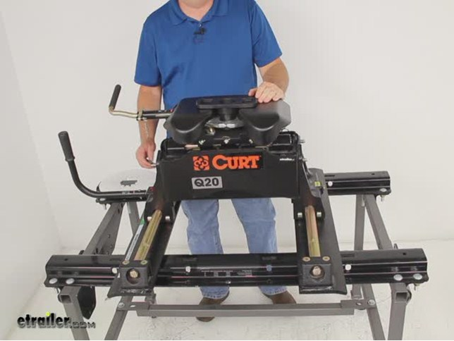 Curt Fifth Wheel Hitch >> Compare Curt Q20 5th Wheel Vs Curt E16 5th Wheel Etrailer Com