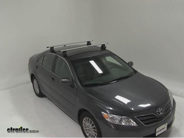 Thule AeroBlade Traverse Roof Rack Installation   2010 Toyota Camry Video |  Etrailer.com