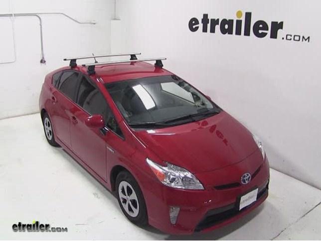 Thule AeroBlade Traverse Roof Rack Installation   2013 Toyota Prius