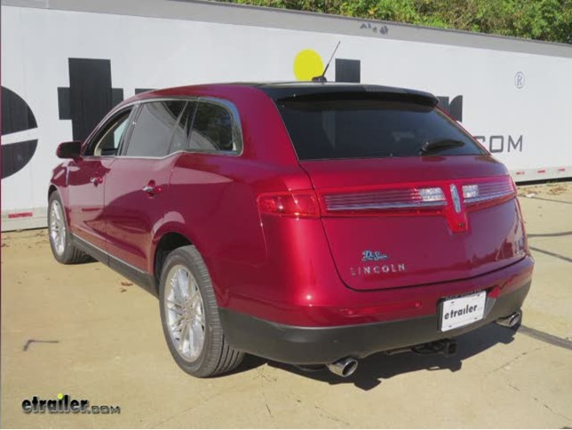 2015 lincoln mkt curt trailer hitch receiver custom fit class iii 2. Black Bedroom Furniture Sets. Home Design Ideas