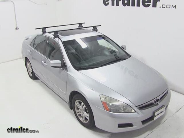 Thule Traverse Roof Rack Installation   2006 Honda Accord Video |  Etrailer.com