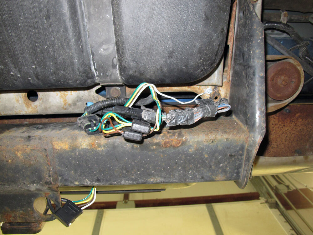 T-One Vehicle Wiring Harness with 4-Pole Flat Trailer ...