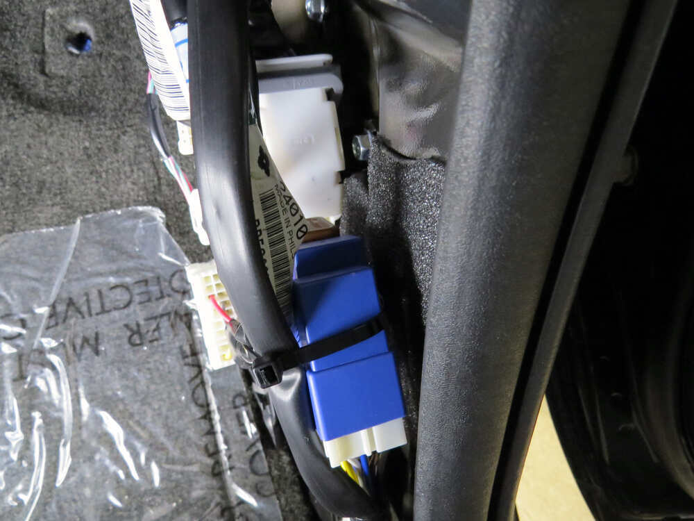 Nissan Titan 7 Pin Wiring Harness : Nissan pathfinder trailer harness get free image