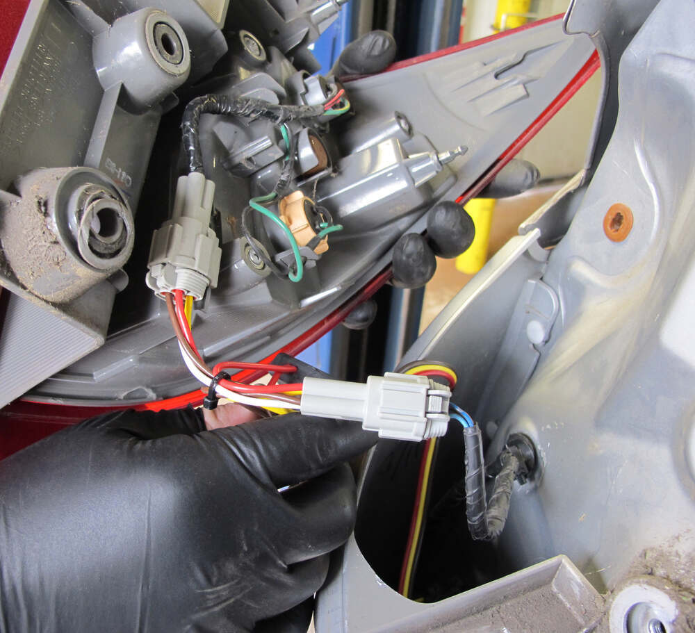 Compare T One Vehicle Wiring Vs Draw Tite Max E Loader 2013 Nissan Quest Fuse Box Harness With 4 Pole Flat Trailer Connector 118547