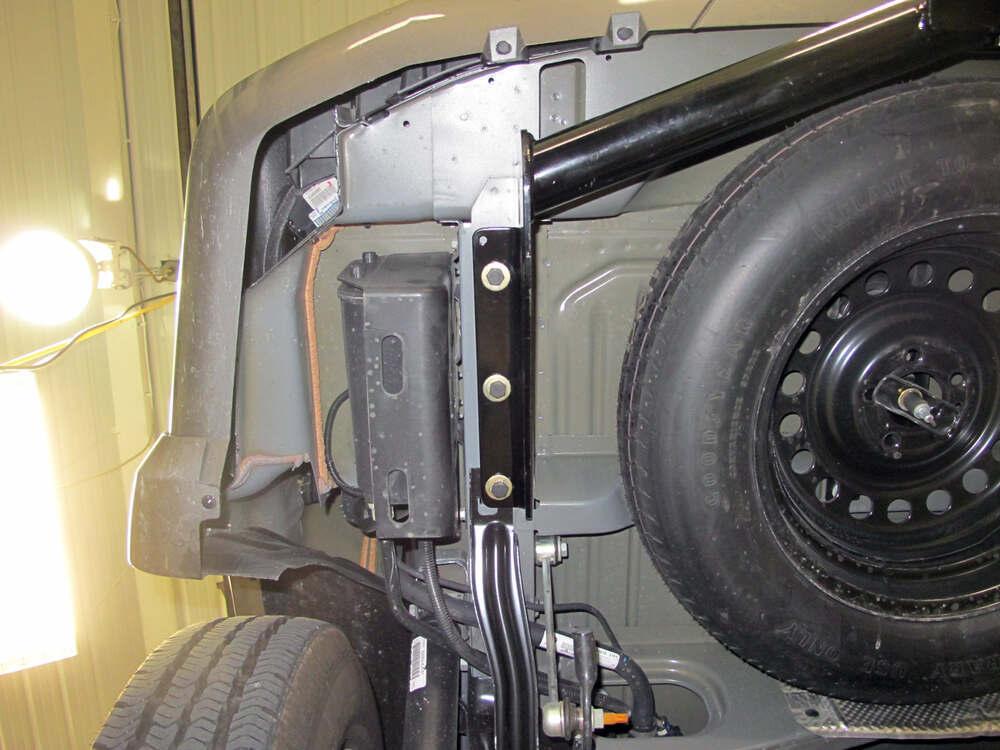 2012 Jeep Liberty Trailer Hitch Curt