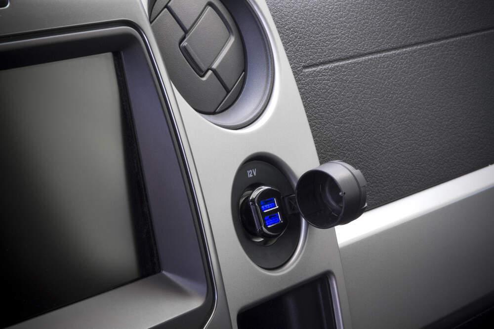 Scosche ReVolt Car Charger Dual Illuminated USB Ports 12