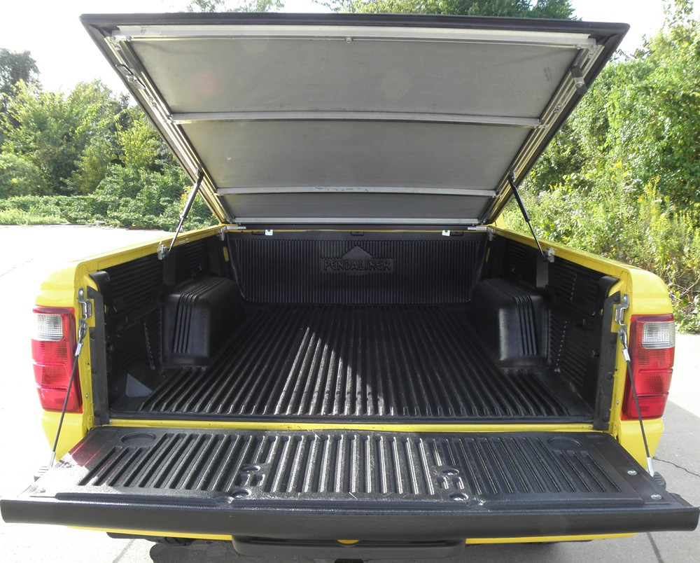 1999 toyota tacoma craftec hatch style tonneau cover low. Black Bedroom Furniture Sets. Home Design Ideas