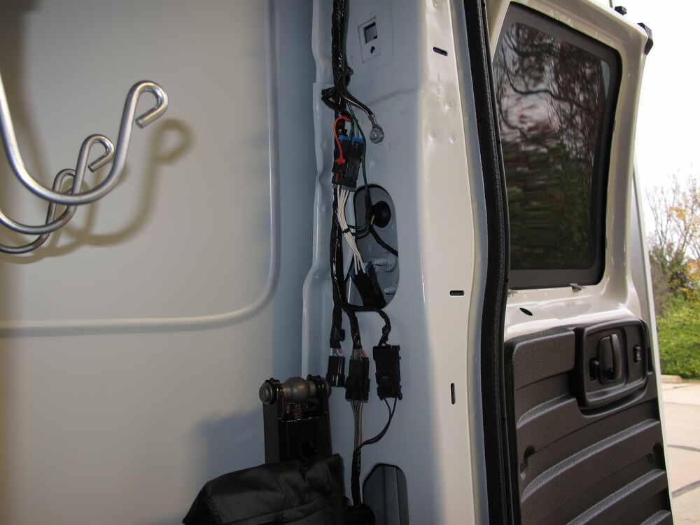 2012 chevrolet express van custom fit vehicle wiring curt. Black Bedroom Furniture Sets. Home Design Ideas