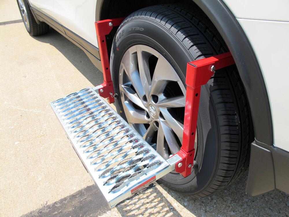 Powerbuilt Adjustable Tire Step for SUVs, RVs, and Trucks ...