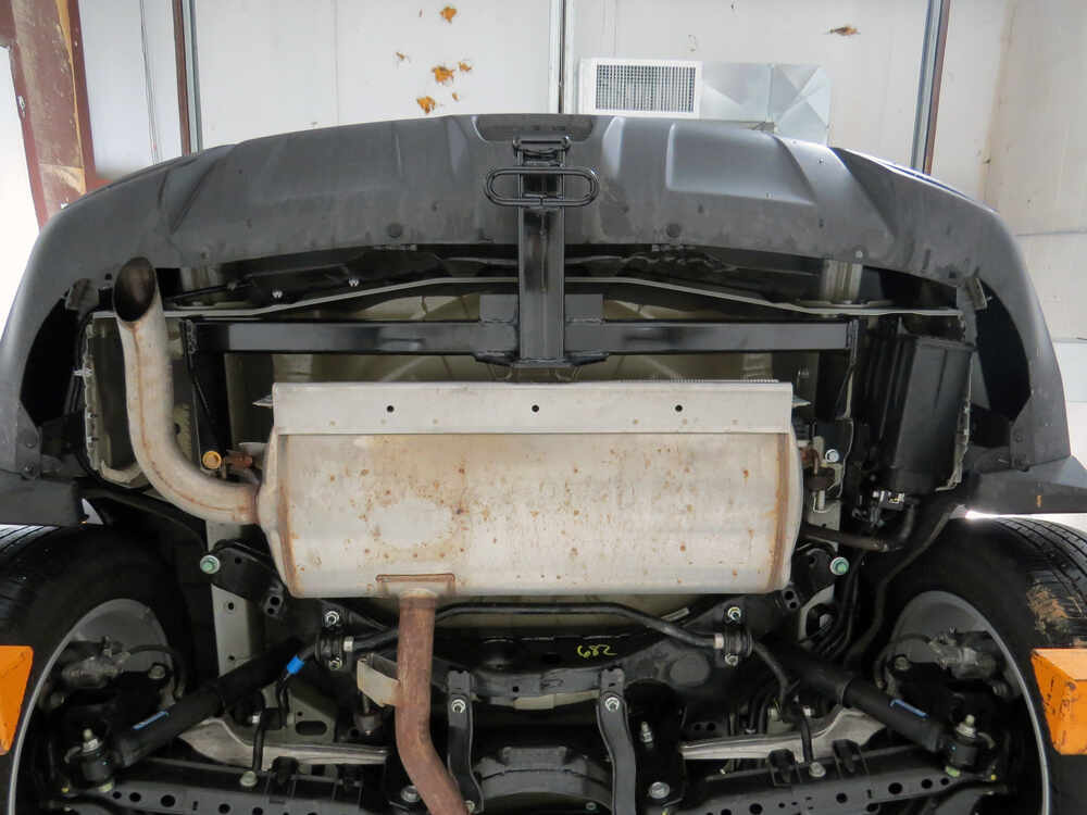 Installation of a trailer hitch on nissan rogue
