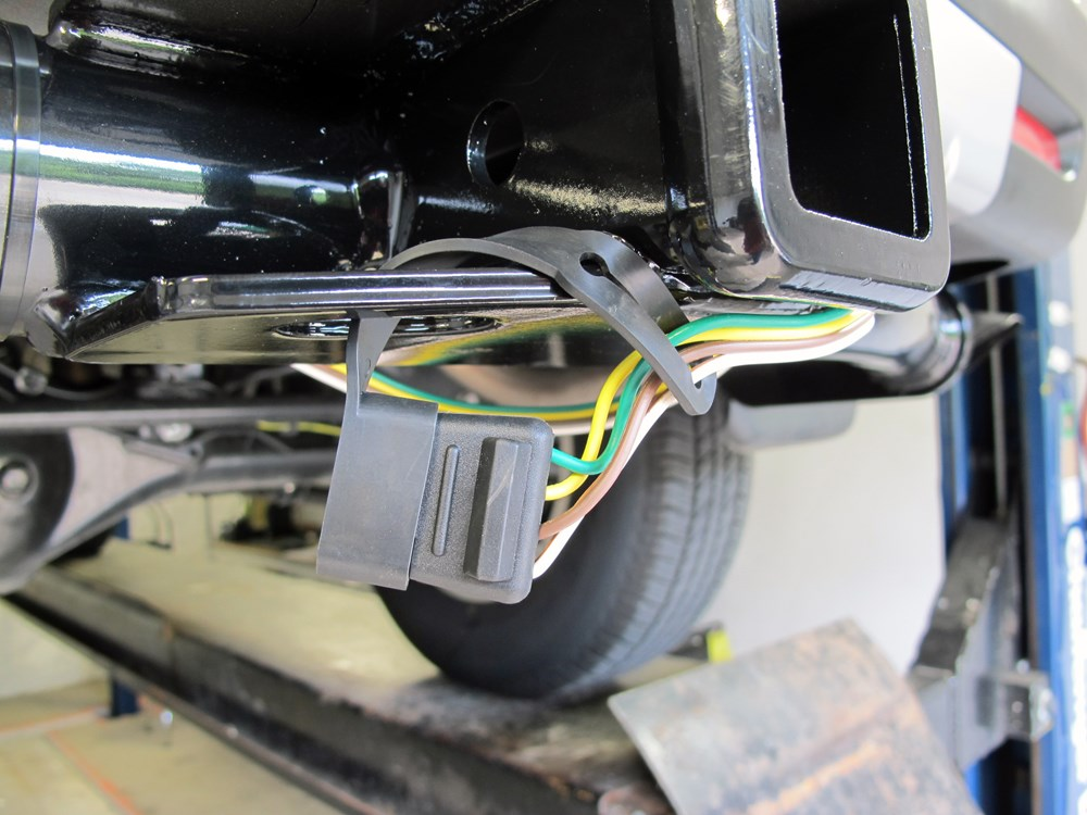 fj cruiser trailer wiring harness installation  | 300 x 224