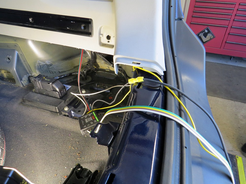 Trailer Wiring Harness Saturn Vue : Saturn vue curt t connector vehicle wiring harness