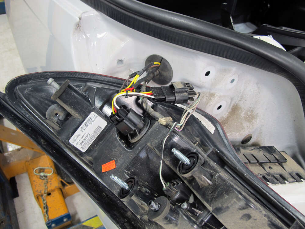 2013 chrysler 200 custom fit vehicle wiring curt. Black Bedroom Furniture Sets. Home Design Ideas