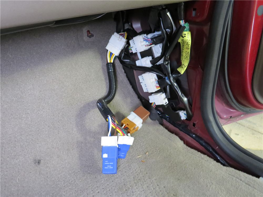 2008 Nissan Pathfinder Trailer Wiring Harness : Nissan frontier custom fit vehicle wiring curt