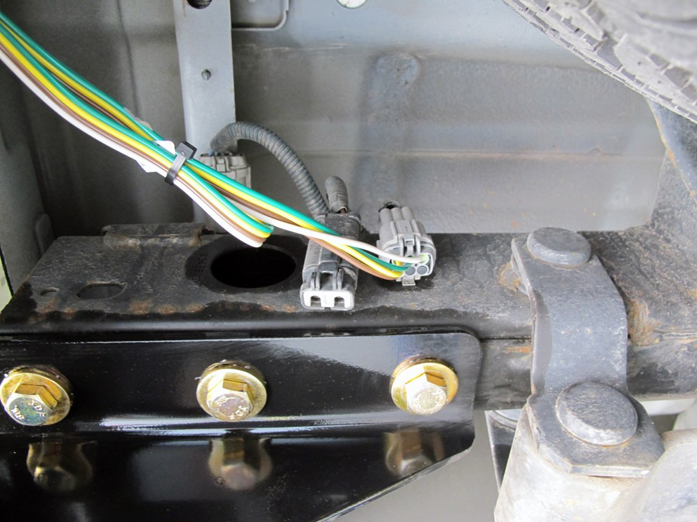 Nissan Xterra Trailer Hitch Wiring Harness : Nissan frontier custom fit vehicle wiring curt