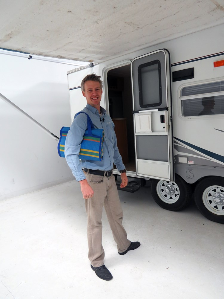 "Camco RV Handy Mat - 78"" Long x 60"" Wide - Blue w/ Stripes"