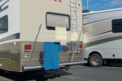 Stromberg Carlson Bumper Mounted Clothes Line for RVs - Aluminum