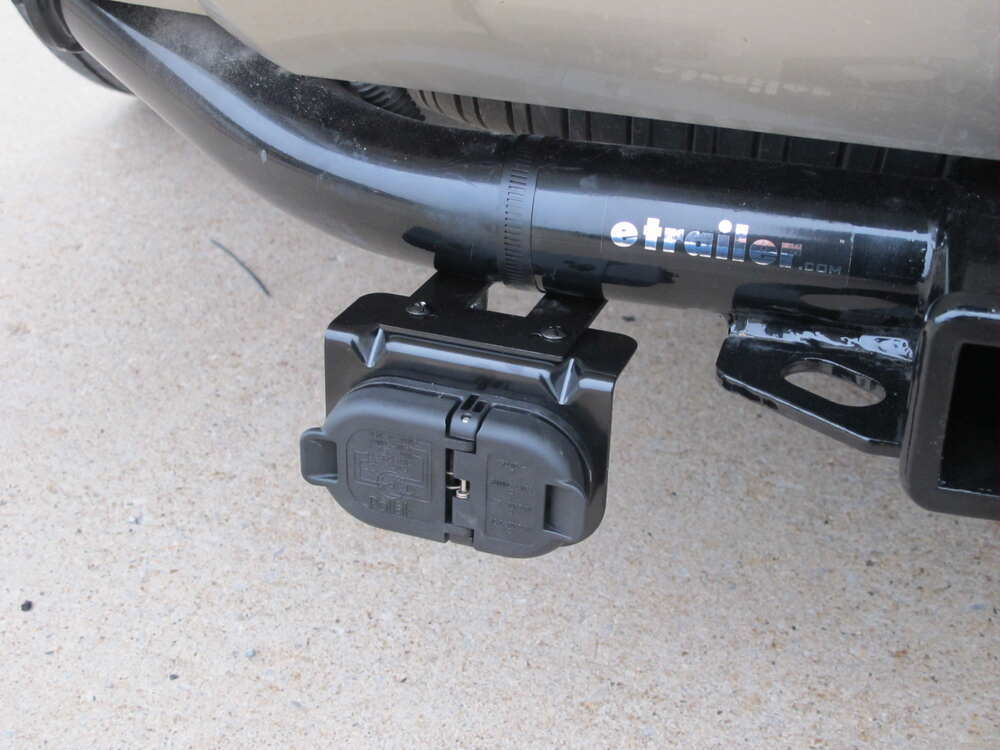 2015 chevrolet tahoe 7 and 4 pole trailer connector