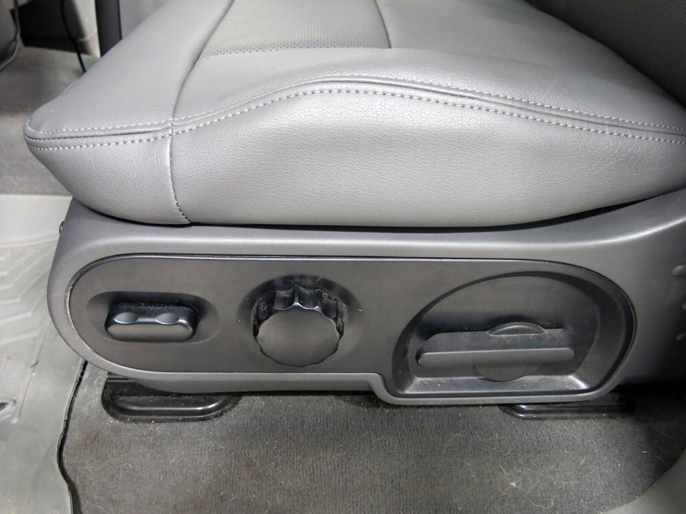 2005 Ford F 150 Seat Covers Clazzio