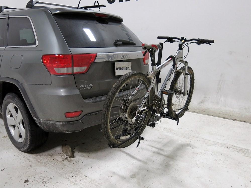 saturn vue maxxhaul platform style 2 bike carrier for 1 1 4 and 2 hitches. Black Bedroom Furniture Sets. Home Design Ideas