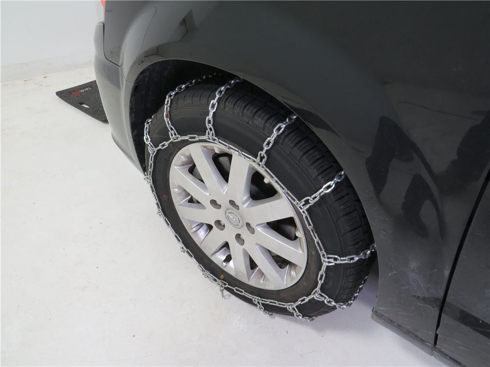 2015 chrysler town and country tire chains glacier. Black Bedroom Furniture Sets. Home Design Ideas