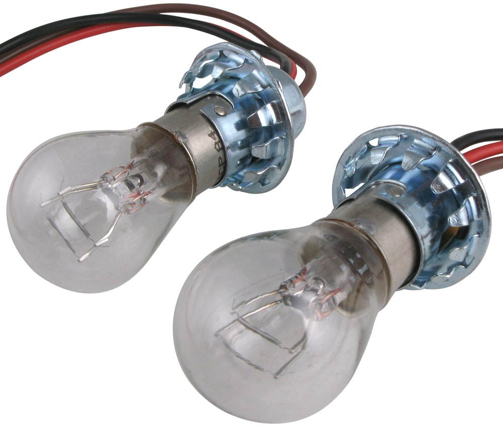 Compare Roadmaster Bulb Vs Blue Ox Tail Light