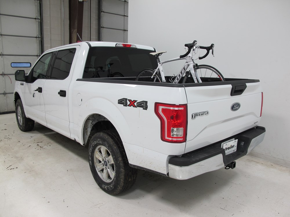 2015 ford f 150 thule insta gater truck bed single bike rack for Bed images 2016