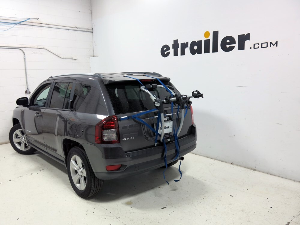 Bike Rack For Jeep Renegade >> 2012 Jeep Compass Thule Gateway XT 2-Bike Rack - Trunk Mount - Adjustable Arms
