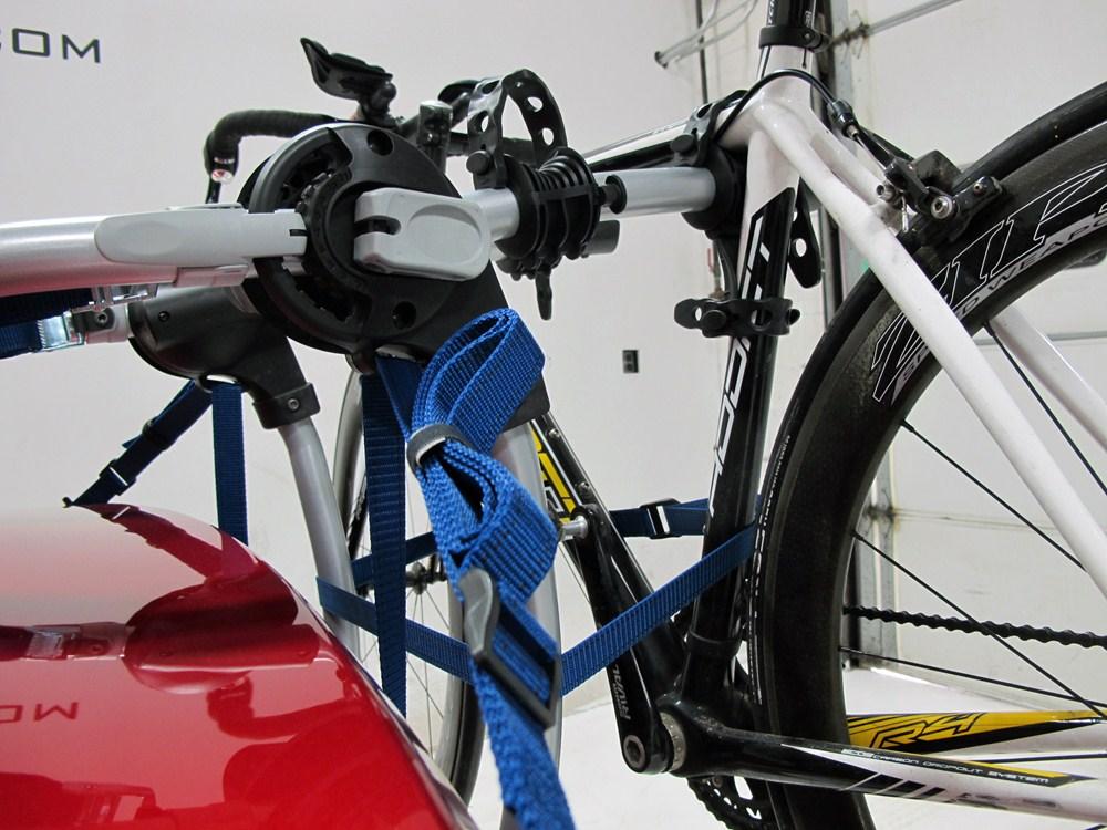 thule gateway xt 2 bike rack trunk mount adjustable. Black Bedroom Furniture Sets. Home Design Ideas