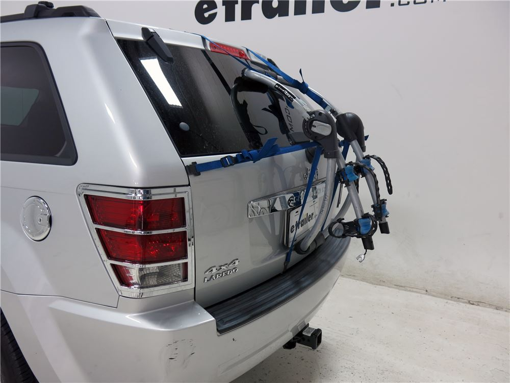 2015 jeep grand cherokee thule archway xt 2 bike rack trunk mount adjustable arms. Black Bedroom Furniture Sets. Home Design Ideas