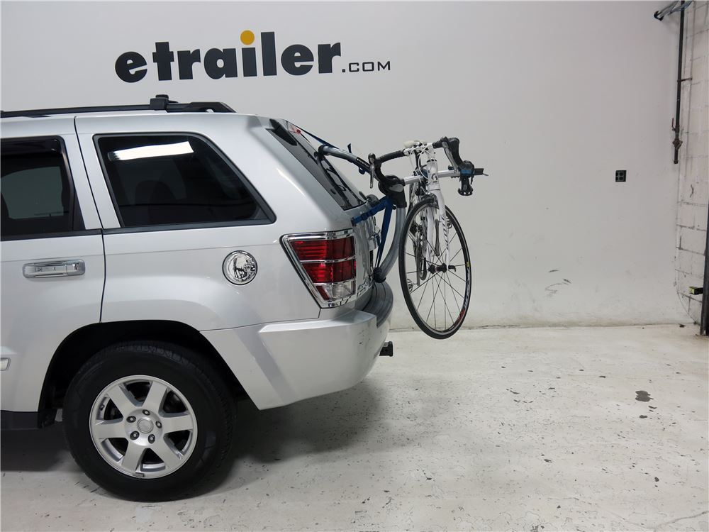 2015 jeep grand cherokee thule archway xt 2 bike rack. Black Bedroom Furniture Sets. Home Design Ideas