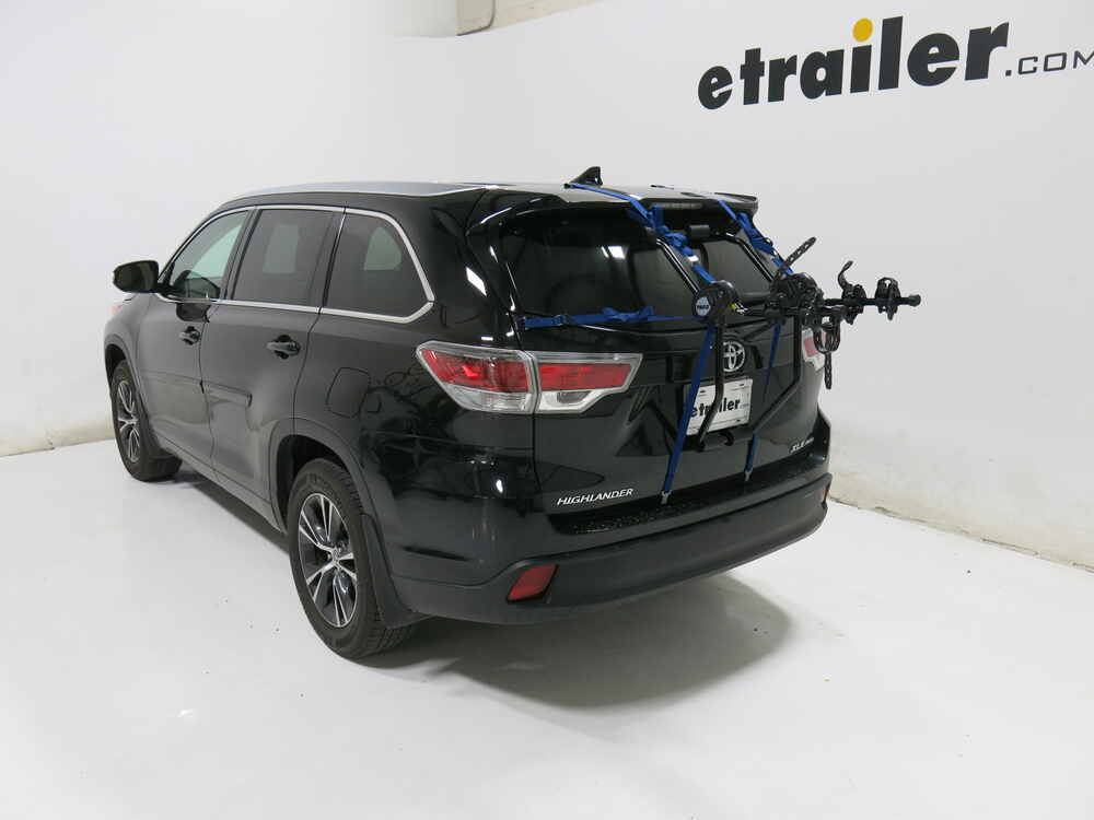 Buick Encore Bike Rack >> 2017 Toyota Highlander Thule Passage 2 Bike Carrier - Trunk Mount