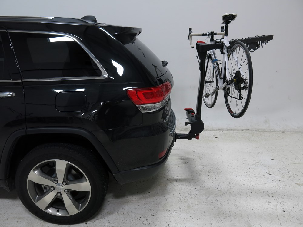 2015 jeep grand cherokee yakima fullswing 4 bike rack 2. Black Bedroom Furniture Sets. Home Design Ideas