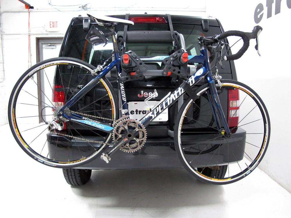jeep liberty yakima kingjoe pro 2 bike rack folding arms. Black Bedroom Furniture Sets. Home Design Ideas