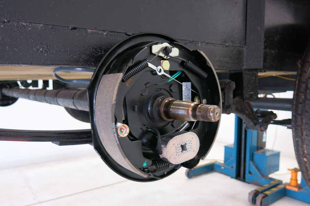 Electric Trailer Brake Kit Self Adjusting 10 Left And Right Hand Emblies 3 500 Lbs Etrailer Brakes Akebrk 35 Sa