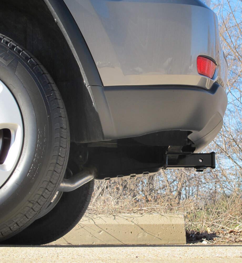 Curt Trailer Hitch Receiver Custom Fit Class Iii 2 2005 Jeep Grand Cherokee C13065