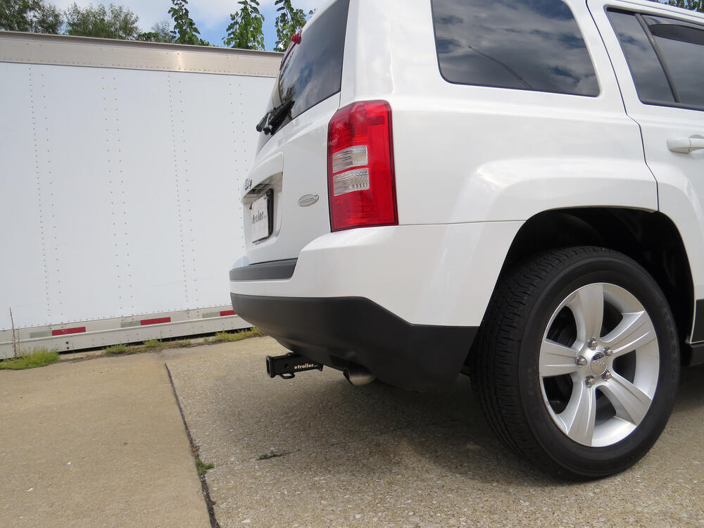 2014 jeep patriot curt trailer hitch receiver custom fit. Black Bedroom Furniture Sets. Home Design Ideas